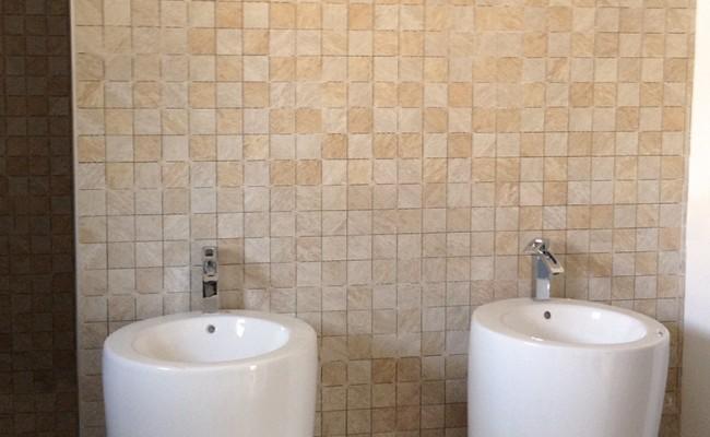 pose de carrelage mural salle de bain