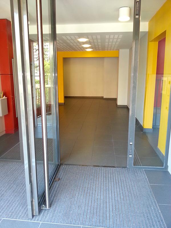 Rénovation peinture du hall d'entrée d'un HLM